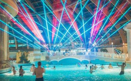 Ночная дискотека в аквапарке